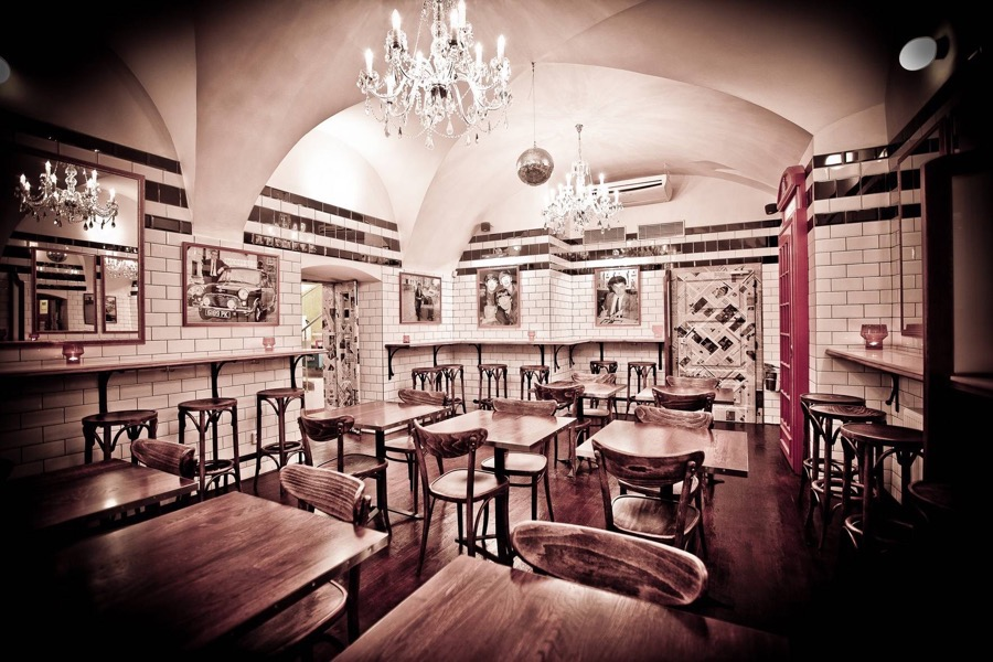 Fish-and-Chips_interior3