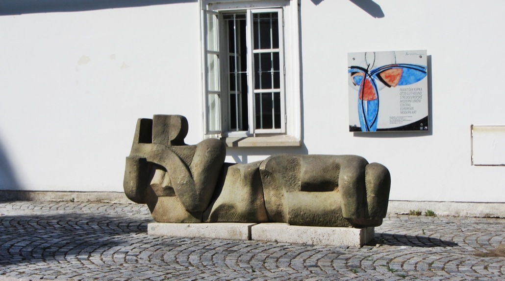 museum-kampa-sculpture