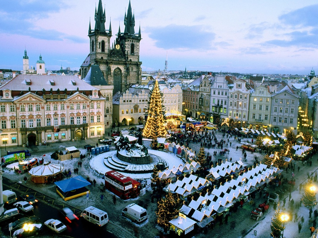 christmas_market-_old_town_square-_prague-_czech_republic