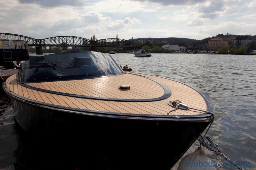 140970-14-yacht-professional-clun-na-vltave